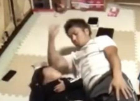 【朗報】肘打ち虐待男 逮捕される