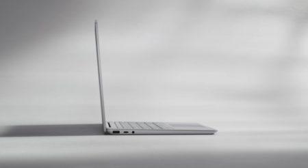 廉価版Surface LaptopのSurface Laptop Goが突如発表!